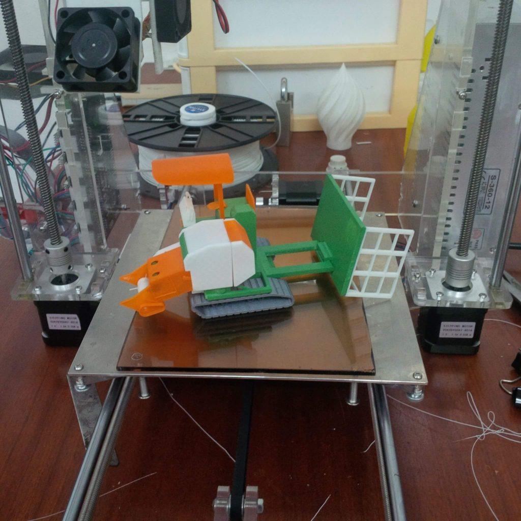 in 3D Mo hinh may cuon rom - xe cuon rom tu che (4)