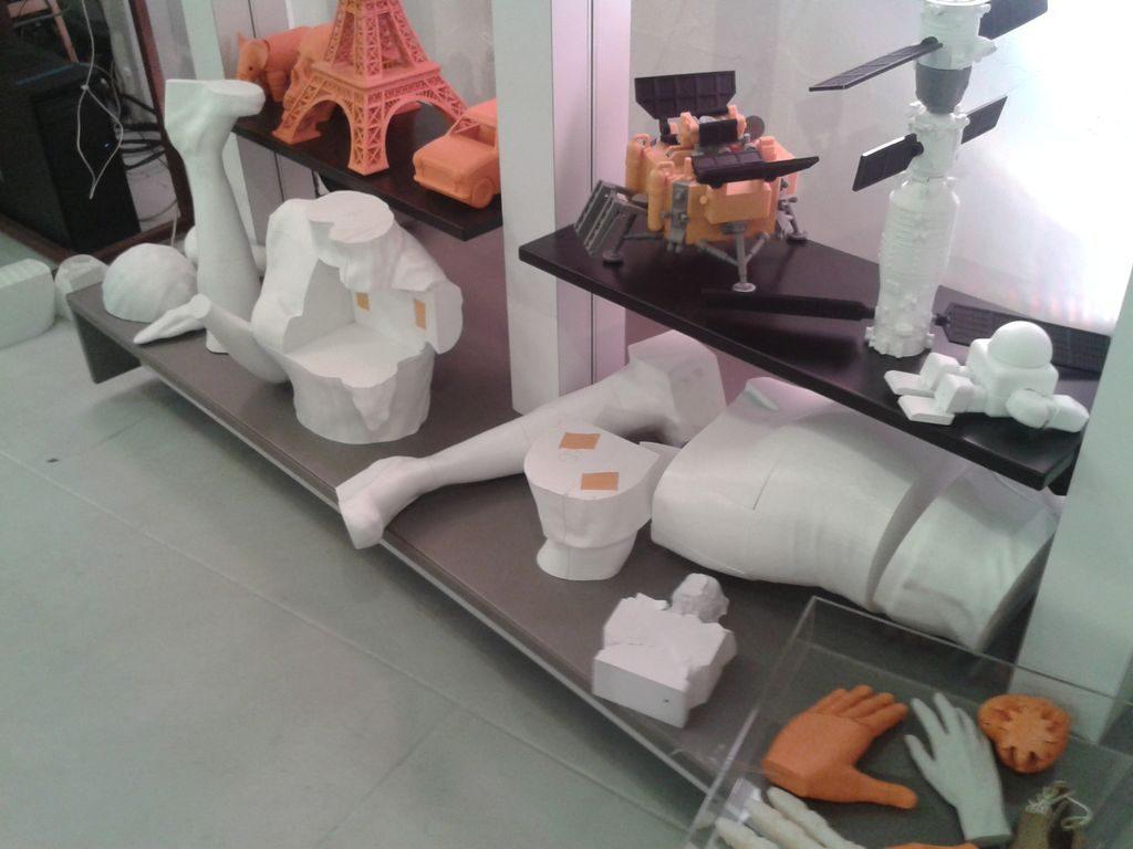 Tạo mô hình 3D khổng lồ, in mẫu 3D to lớn, làm mẫu 3D mockup thật