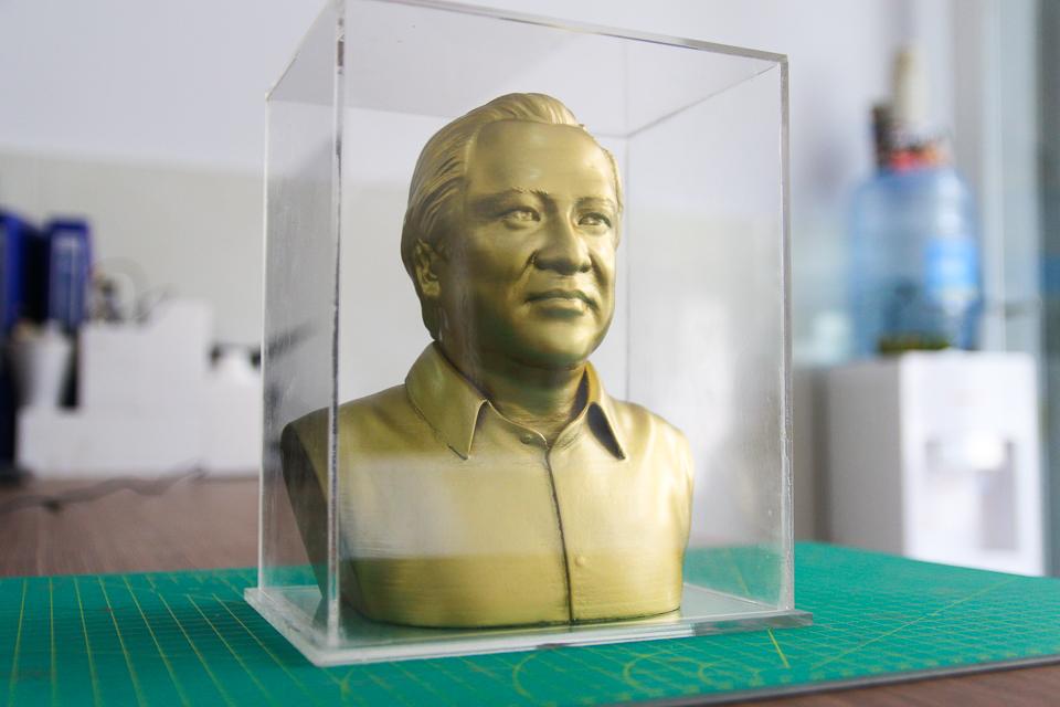 Dựng tượng chân dung, làm tượng bán thân, vẽ 3D, thiết kế 3D và đúc tượng người, làm tượng thờ cúng,