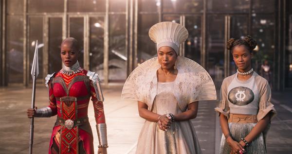 """Tìm hiểu về trang phục 3D trong """"Black Panther"""""""