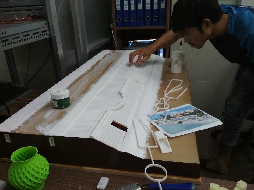 Lắp ghép và sơn các phần in 3D