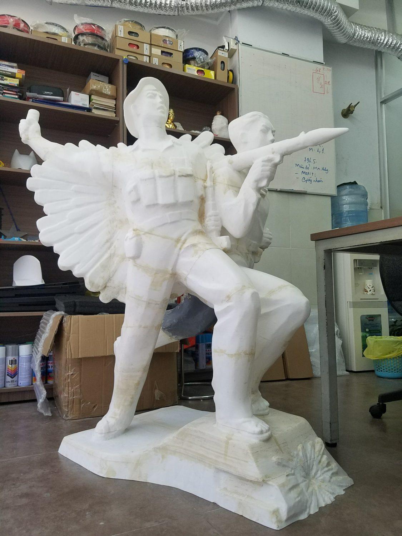 in 3D tượng đài chiến sỹ, tạo mẫu tượng 3D. gia công đúc tượng 3D. in mẫu tượng NGƯỜI 3D