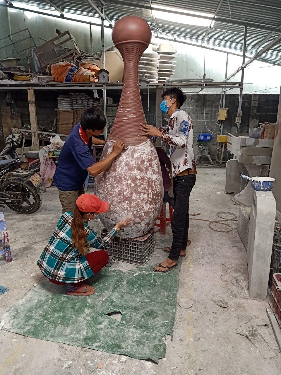 in 3D chai nước hoa, Chế tác Mô hình trưng bày - tạo mẫu chai nước hoa cao 2 mét, in 3d khổ lớn