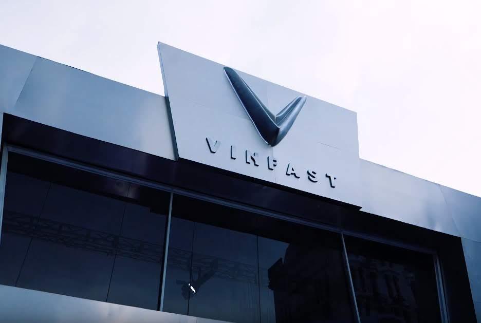 Vinfast logo IN 3D, chế tạo mẫu thương hiệu, in 3d mẫu biểu trưng công ty, in 3d triển lãm sự kiện