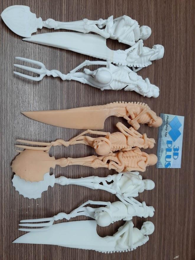 in 3D dao thìa nĩa hình bộ xương người