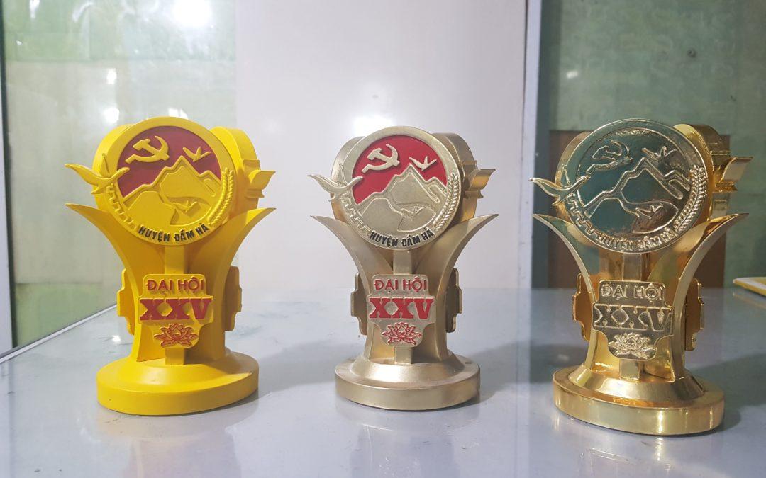 Cúp vàng Đại hội Đảng bộ Huyện Đầm Hà